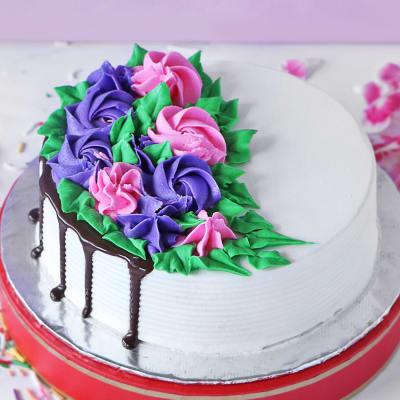 Order Designer Black Forest Cake Eggless Half Kg Online At Best Price Free Delivery Igp Cakes