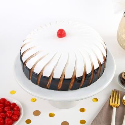 Divine Black Forest Cake (Half Kg)
