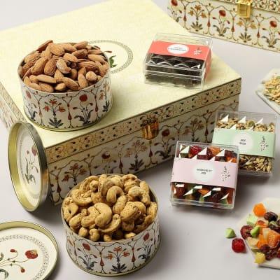 Dry Fruits And Gourmet Mixes Gift Box