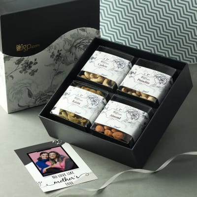 Dry Fruits with Personalized Card for Mom