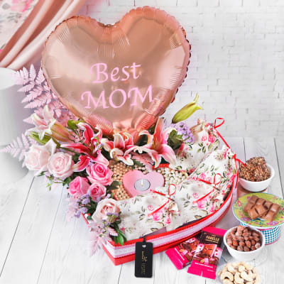 Everything You Love Luxurious Flower Hamper for Mom
