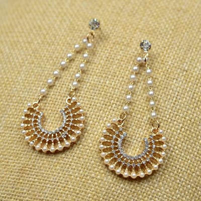 Fashionable Stone and Pearl Work Earrings