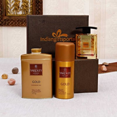 Gold Deodorizing Spray & Talc With Aftershave in a Gift Box