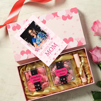 Gourmet Hamper with Personalized Card for Mom