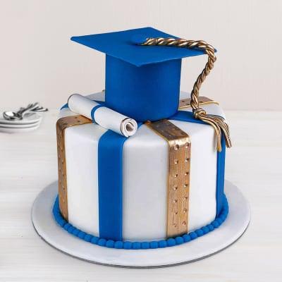 Graduation Fondant Cake (3.5 Kg)