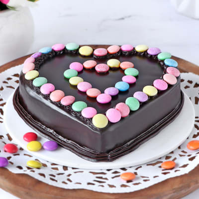 Heart Chocolate Gems Cake (2 Kg)