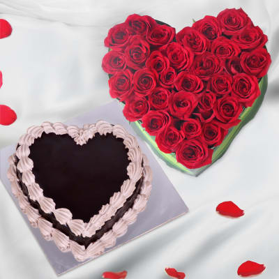 Heart Shaped Arrangement of 25 Roses & Chocolate Cake (Eggless)