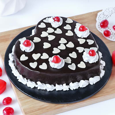 Hearty Chocolate Cake (Eggless) (Half Kg)