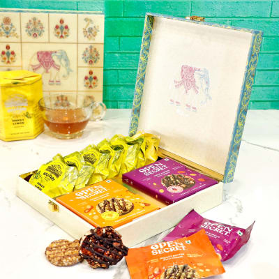 Honey Lemon Tea Bags with Assorted Cookies Hamper