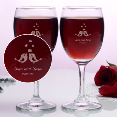 Lovebirds Personalized set of two wine glasses