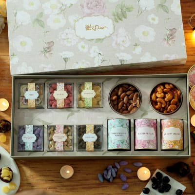 Mix Gourmet Hamper in Designer Gift Box
