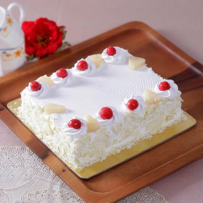 Party Pineapple Cake (Eggless) (2 Kg)