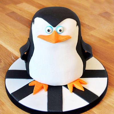Penguin Fondant Cake (4 Kg)
