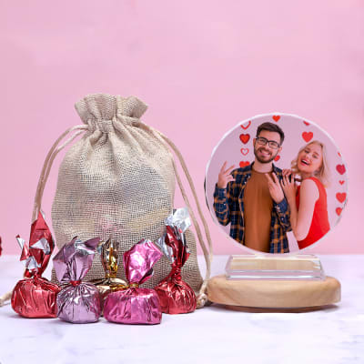 Personalised Round Crystal with Handmade Chocolates in Potli