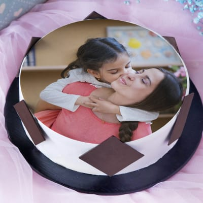 Photo Cake (Eggless) for Daughter (Half Kg)