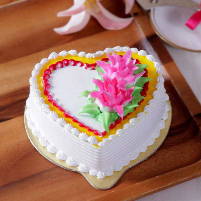 Pineapple Cake With Cream Flower Toppings Half Kg
