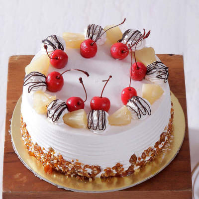 Pineapple Cake (Eggless) with Pineapple & Cherry Toppings (1 Kg)