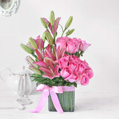 Pink Asiatic Lilies & Roses in Vase Arrangement