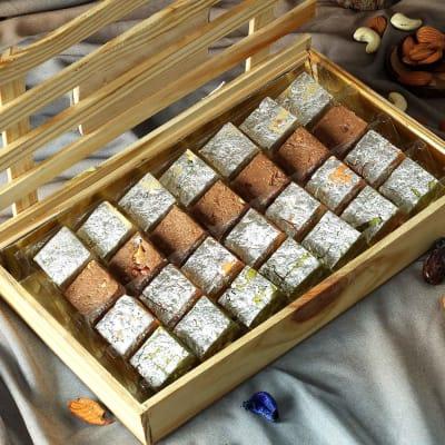 Premium Wooden Box with Assorted Bites (28 Pcs)