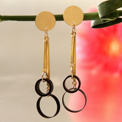 Rings Black And Gold Danglers