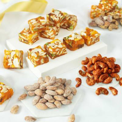 Roasted & Salted Cashew Nuts with Almond &  Karachi Halwa (500 gm)