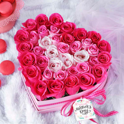 Roses in Pink Shades in Heart-shaped Box for Mom