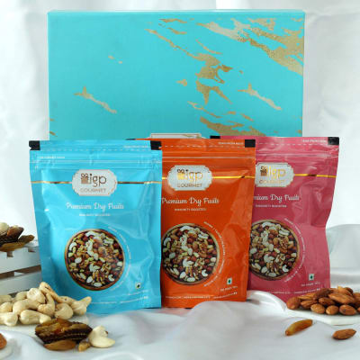 Set of 3 Premium Dry Fruits in Gift Box (300 Gms)