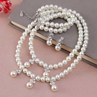 Stylish Pearl Set