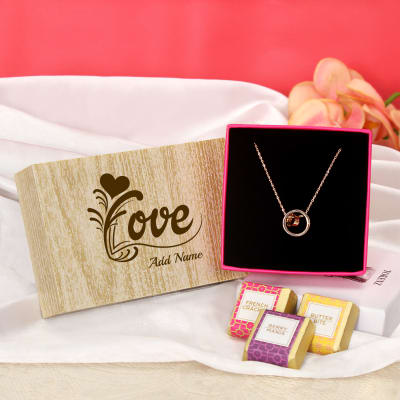 dd423aaff7 Stylish Ring Pendant with Personalized Chocolates