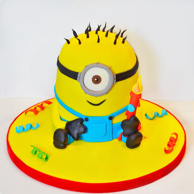 Sweet Minion Fondant Cake (4 Kg)