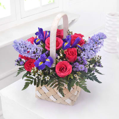 Sweet Spring Country Garden Basket Giftsend Interflora Gifts Online