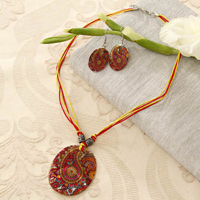 Traditional Work Pendant Set