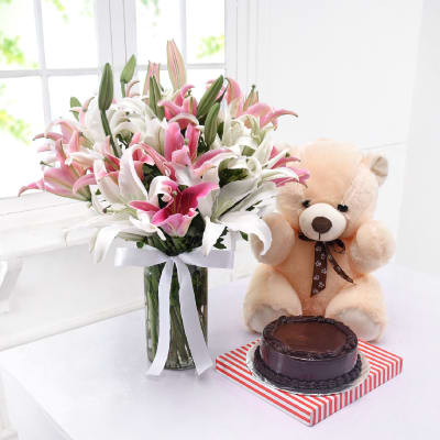 Vase of 20 Mixed Lilies with Half Kg Chocolate Cake (Eggless) & Teddy