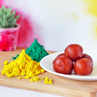 Yellow and Green Holi Gulaal with Gulab Jamun (1 Kg)